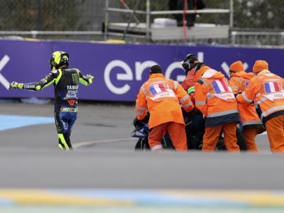 MotoGP, terza caduta consecutiva per Valentino Rossi. E' il periodo più nero della carriera