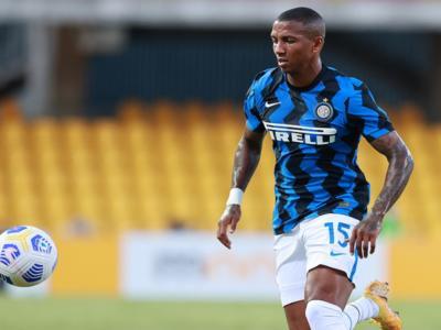 Calcio, Ashley Young positivo al Covid-19: nuovo contagio nell'Inter