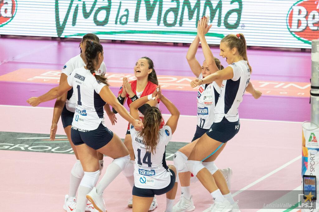 Volley femminile, serie A1, 7. giornata. Bergamo supera Perugia: 3 punti d'oro per la salvezza