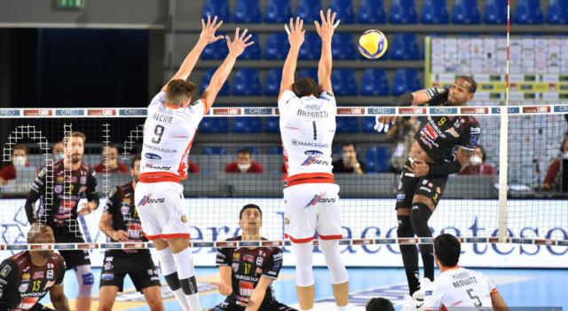 Volley, Superlega 2020-2021 terza giornata. In scena il primo big match tra Civitanova e Trento, Milano non si vuole fermare