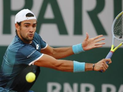 Roland Garros 2020, Matteo Berrettini non convince ma vince contro Lloyd Harris, l'azzurro passa in 4 set