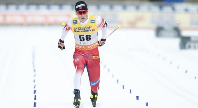 Sci di fondo: Johannes Klaebo spicca il volo a Ruka, sua la 15 km. Buon 12° De Fabiani, a punti anche Pellegrino