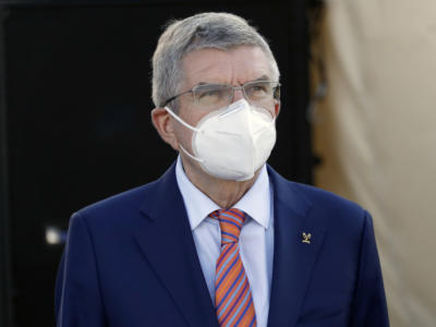 Tokyo 2021, Thomas Bach contrario alla priorità di immunizzare gli atleti, ma alcuni Comitati lo faranno