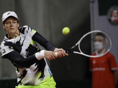 LIVE Sinner-Pospisil 6-4 3-6 7-6, Finale Atp Sofia 2020 DIRETTA: il confronto con Nadal e Federer, montepremi e ranking