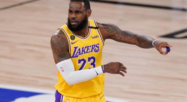 NBA 2020-2021: i Lakers superano facilmente Houston, Brooklyn cade contro OKC