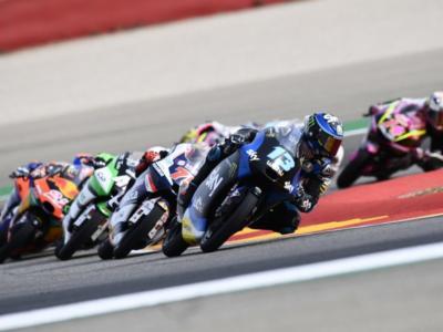 LIVE Moto3, GP Europa 2020 in DIRETTA: McPhee in pole sul bagnato! Vietti 3° e Riccardo Rossi 6°