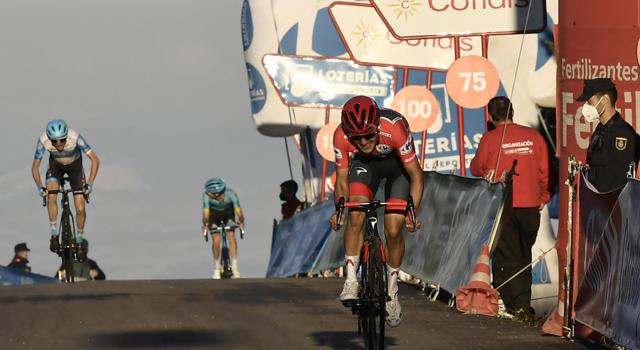 """Vuelta a España 2020, Richard Carapaz: """"Contento di essere in rosso. Angliru salita incredibile"""""""