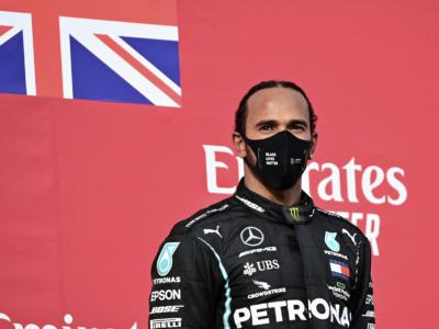 """F1, Lewis Hamilton: """"Rinnovo? Sarebbe un bel regale di Natale"""""""