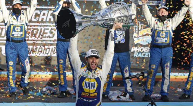 NASCAR Cup Series, Chase Elliott festeggia il primo titolo in carriera 32 anni dopo il padre