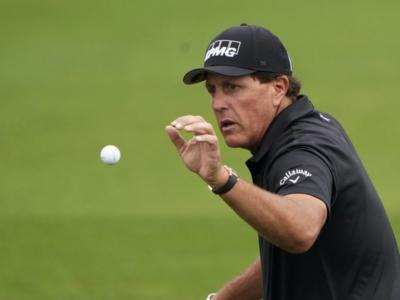Golf, PGA Tour 2021: Phil Mickelson guida la leaderboard del Wells Fargo Championship al termine di un gran primo round. Attardato Francesco Molinari