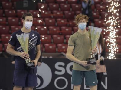 VIDEO Jannik Sinner trionfa a Sofia: la premiazione. Primo trionfo per l'azzurro