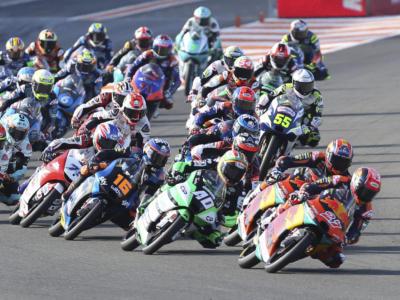 LIVE Moto3, GP Portogallo in DIRETTA: Fernandez in pole! Ogura completa 5° davanti ad Arenas. Arbolino partirà 27°!