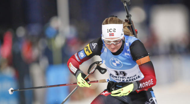 VIDEO Biathlon, Roeiseland vinse l'inseguimento di Hochfilzen: highlights e sintesi. Dorothea Wierer sesta