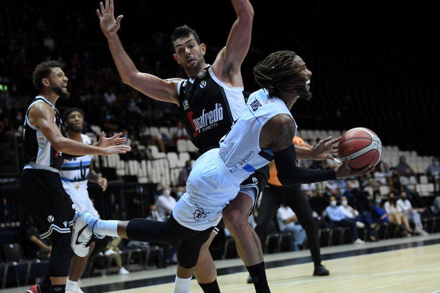 LIVE Fortitudo-Virtus 58-67 |  Serie A basket in DIRETTA |  +9 Segafredo prima dell'ultimo quarto di gara!
