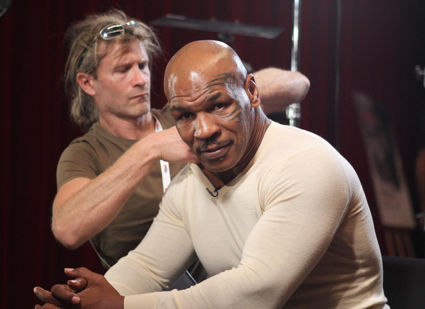 Boxe, la carriera di Mike Tyson. La prima cintura a 20 anni, il morso a Holyfield, poi un triste finale da cancellare
