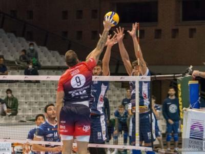 Volley, Playoff SuperLega: Piacenza ai quarti, Milano-Verona si decide alla bella