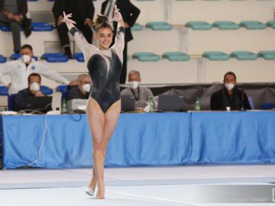 LIVE Ginnastica artistica, Campionati Italiani 2020 in DIRETTA: Giorgia Villa vince staggi e corpo libero, Martina Maggio festeggia alla trave