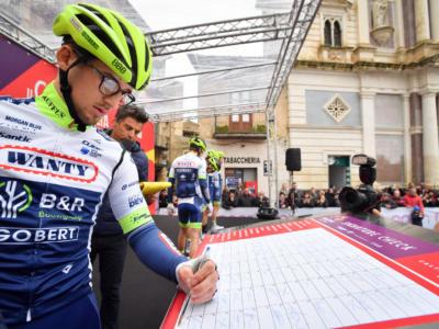 """Giro d'Italia 2021, Andrea Pasqualon: """"In volata c'è stato un contatto con Sagan. Non c'era spazio per passare"""""""