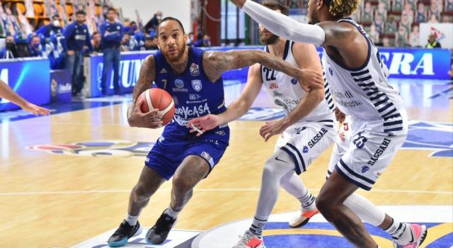 Basket: Brindisi, settima sinfonia da quota 100 al PalaSerradimigni. Sassari costretta a piegarsi nell'anticipo dell'ottava di Serie A