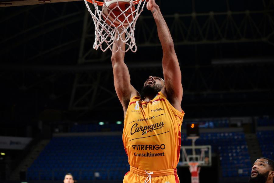 Basket |  Serie A 2020-2021 |  Pesaro batte Reggio e si conferma al top