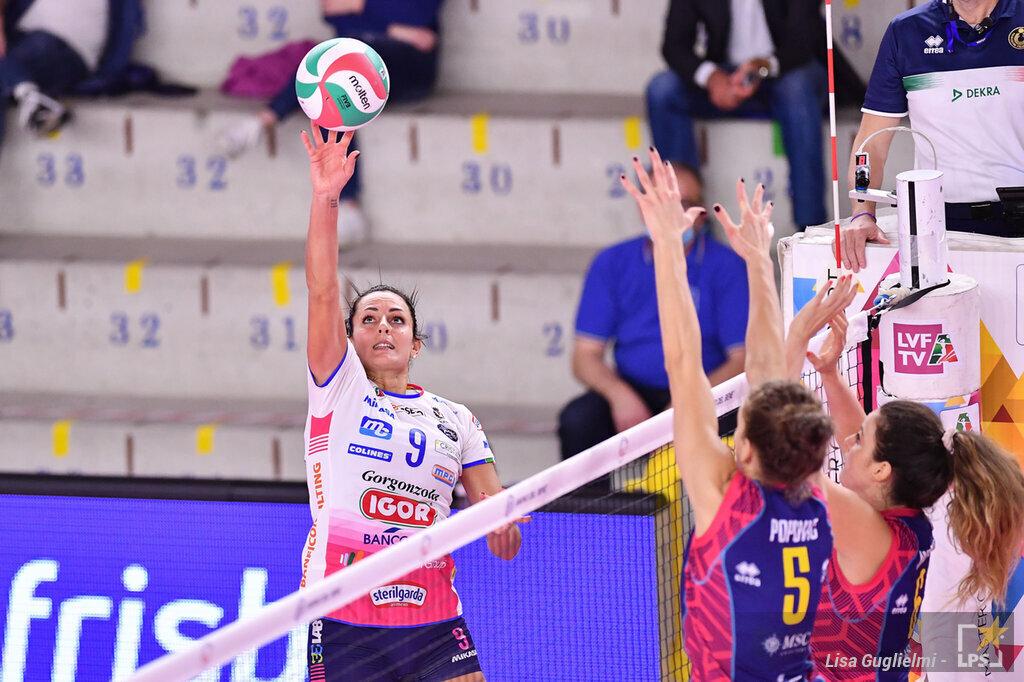 LIVE Novara Dinamo Kazan 2 0, Champions League volley femminile DIRETTA: Herbots e Washington trascinano le piemontesi nel secondo set: 25 22