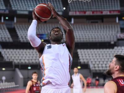 Basket: Dario Hunt-Virtus Roma, ferri corti. Lui salta l'allenamento e non parte per Varese, la società annuncia provvedimenti