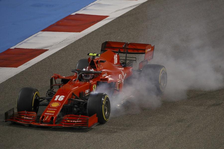 F1, Ferrari dietro la lavagna a Sakhir: SF1000 lenta e screzi tra i piloti. La Rossa sesta forza in pista