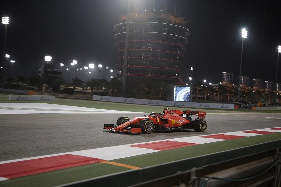 DIRETTA F1, GP Bahrain LIVE: Hamilton favorito, Ferrari prova la rimonta da lontano. Partenza alle 15.10