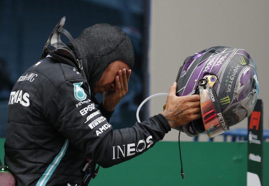 """F1, Lewis Hamilton potrebbe essere insignito del titolo di """"Sir"""" nel 2021"""