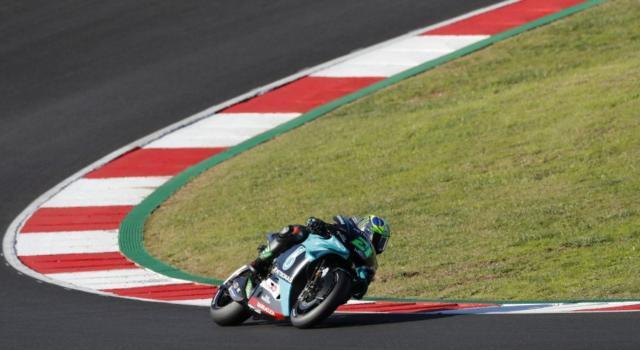 DIRETTA MotoGP, GP Portimao LIVE: Crutchlow svetta nel warm-up, Valentino Rossi, Morbidelli e Dovizioso indietro. La gara alle 15.00