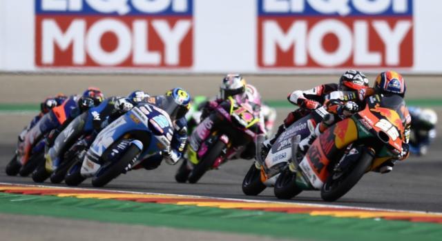 Moto3, risultato GP Portogallo 2020: Albert Arenas è campione del mondo, beffato uno splendido Arbolino! La gara va a Fernandez