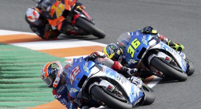 VIDEO MotoGP, GP Europa 2020: Valentino Rossi si complimenta con Davide Brivio