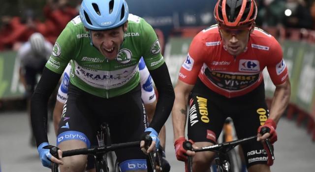 DIRETTA Vuelta a España 2020 LIVE: Carthy trionfa sull'Angliru, Carapaz stacca Roglic ed è maglia roja