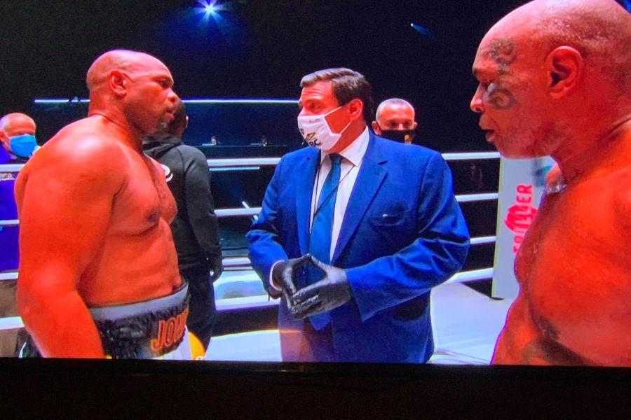 """Mike Tyson vs Roy Jones jr termina con un pareggio! Iron Mike: """"Dio mi chiede di combattere"""""""