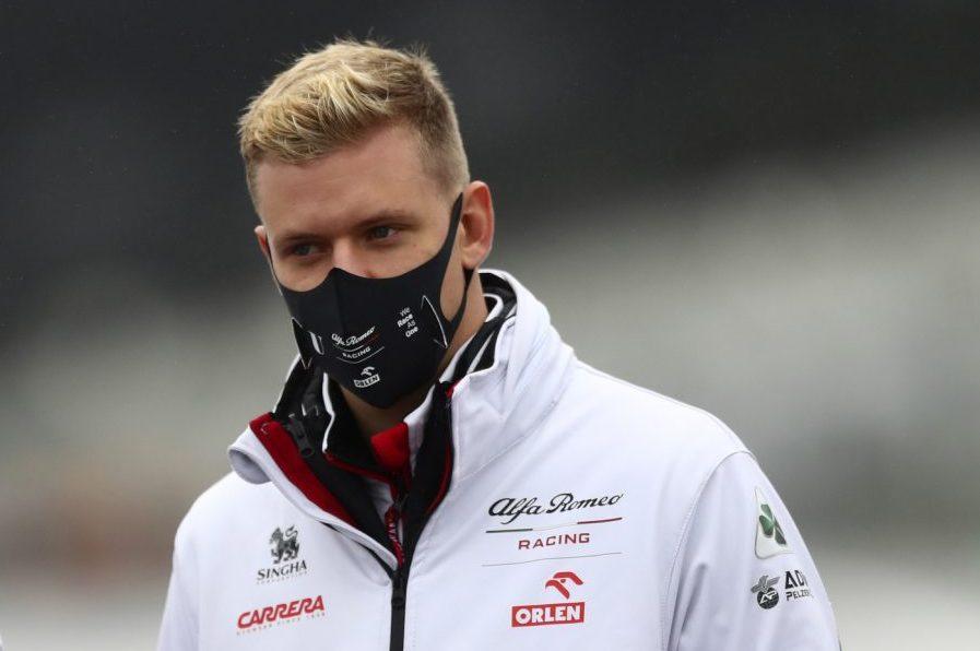 Mick Schumacher, prova sedile in Haas: