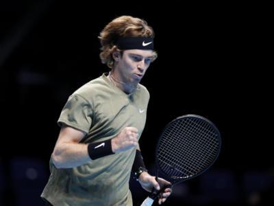 Tennis: Russia squalificata per due anni, Rublev e Vesnina guardano alle Olimpiadi da 'indipendenti'