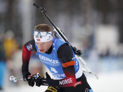 Biathlon, Lukas Hofer sfiora ancora il podio ed è quarto nella mass start di Oberhof. Vince Tarjei Boe