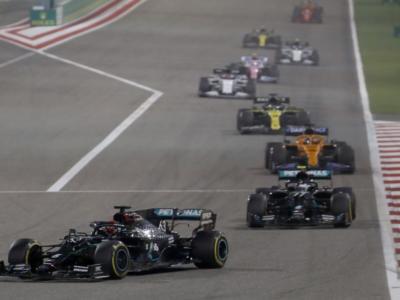F1, varate diverse novità: congelamento motori dal 2022, nuove Power Unit nel 2025, si valutano le sprint race per il sabato