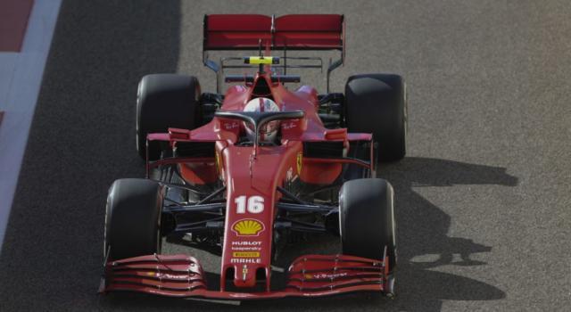 F1, Charles Leclerc penalizzato ad Abu Dhabi: perché e quante posizioni perderà in griglia di partenza