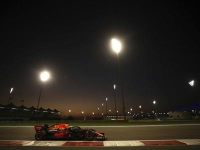F1, analisi dei tempi prove libere: Mercedes si conferma al comando, ottimo passo gara per la Red Bull. Ferrari insegue con Leclerc