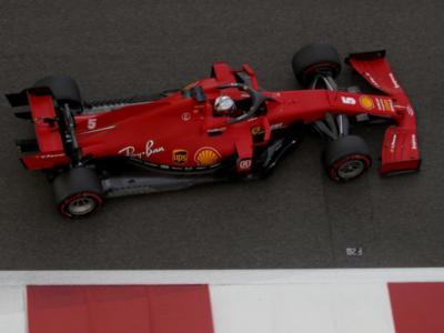 """VIDEO Sebastian Vettel canta """"Azzurro"""" sulla Ferrari e cambia tutte le parole! La dedica a Maranello"""