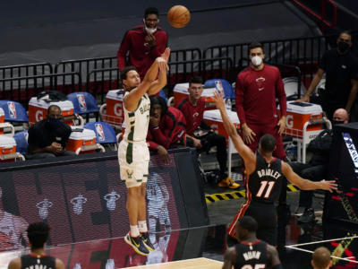 VIDEO NBA 2020-2021, le 29 triple dei Milwaukee Bucks: un record storico
