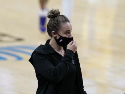 Basket: Becky Hammon, la storia della prima donna ad allenare da head coach in NBA