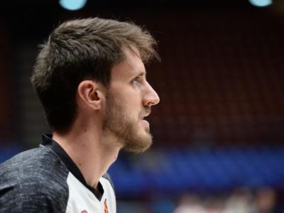 Basket: Achille Polonara, una notte da re nonostante la sconfitta. Il suo nome accanto a quelli di Dino Radja ed Ekpe Udoh