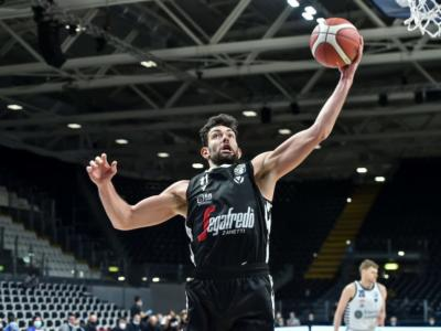 LIVE Trieste-Virtus Bologna 60-77, Serie A basket in DIRETTA: la Segafredo passa all'Allianz Dome e sale al terzo posto in classifica