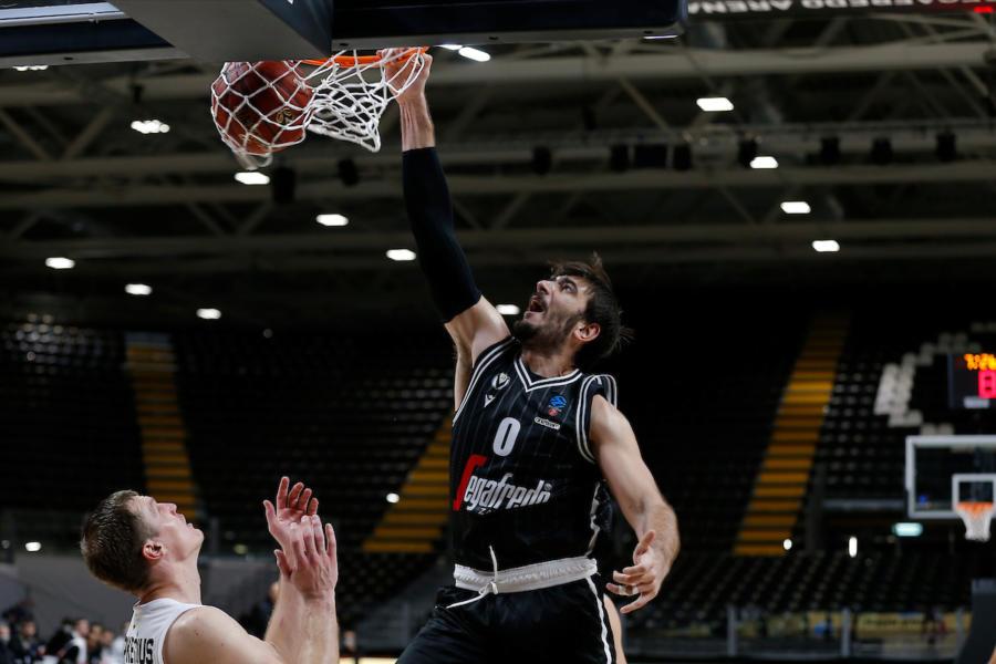 LIVE Cantù Virtus Bologna 17 24, Serie A basket in DIRETTA: gli ospiti provano subito a piazzare un tentativo di fuga, Gamble ispirato