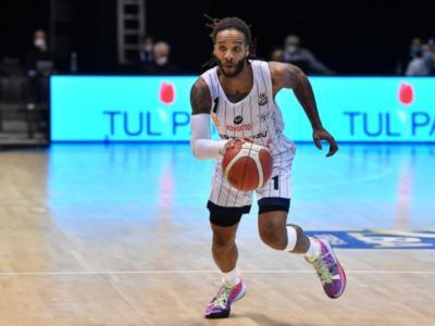 Basket, Serie A 2020-2021: la Fortitudo Bologna batte col brivido Reggio Emilia al termine di un match combattutissimo