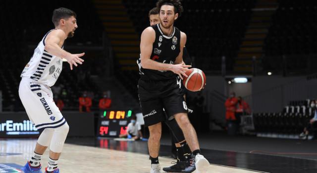 Basket: Virtus Bologna, si ferma Alessandro Pajola dopo Andorra. Lesione alla fascia plantare per il play