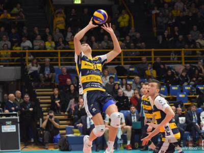 LIVE Modena-Knack Roeselare 3-2, Champions League in DIRETTA: vittoria di carattere dei Canarini, che volano in testa al gruppo D