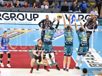 LIVE Perugia-Civitanova 2-3, Superlega volley in DIRETTA: la Lube vince e accorcia le distanze in classifica!